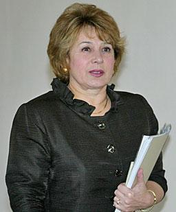 Maslarova met Sudan women