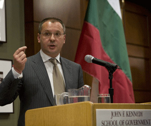 Bulgaria's Prime Minister Stanishev makes history at Harvard University