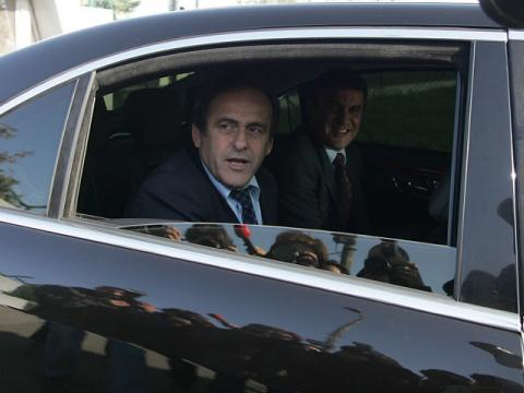 Platini turns the first sod for the base of the national team