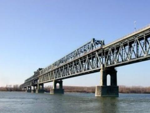 Lower prices for the Danube bridge
