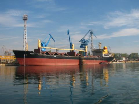 8 000 ton ship of the Ruse shipyard makes a