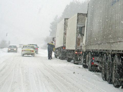 Snow blocked the Bulgarian highways