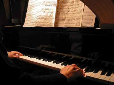 Young Bulgarian pianist opens the music festival in Spoleto