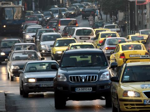 Heavy traffic on the main highways leading to Sofia
