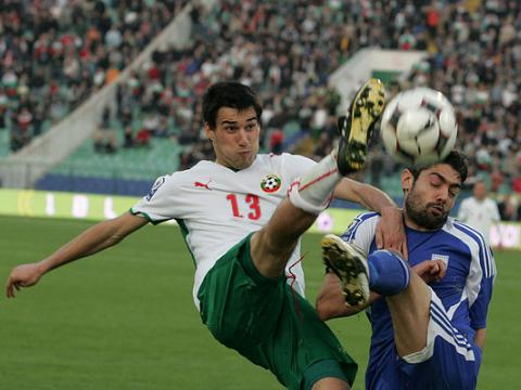 Bayern interested in Ivelin Popov