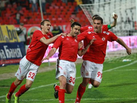 CSKA dethrones Levski from the top of the rankings after a scandalous match